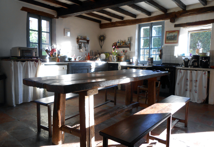 beautiful and warm kitchen, Batisse Belhomme, Tarn